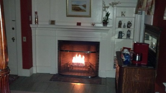 Ashley Manor:                   Fireplace in King George Suite
