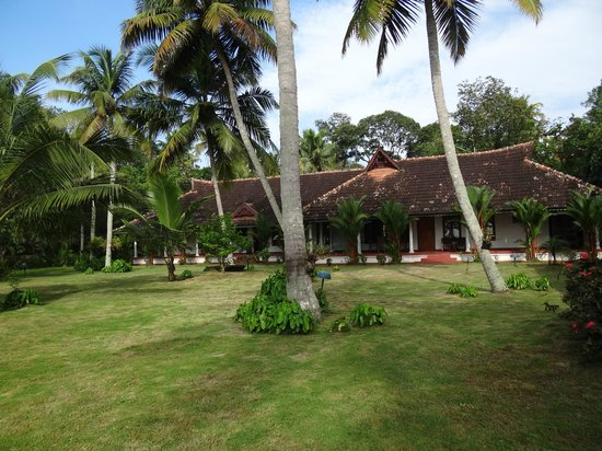 Kovilakam Lakeside Villa:                   the main house