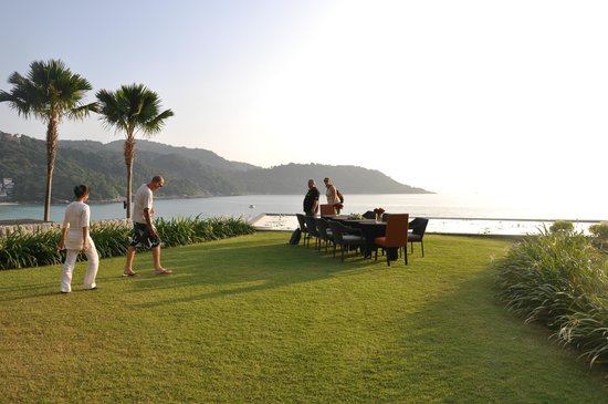 Impiana Private Villas Kata Noi : private function in the gardens overlooking the beach