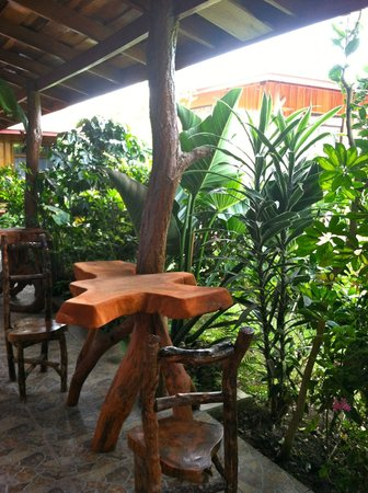 Monteverde Rustic Lodge:                   Patio