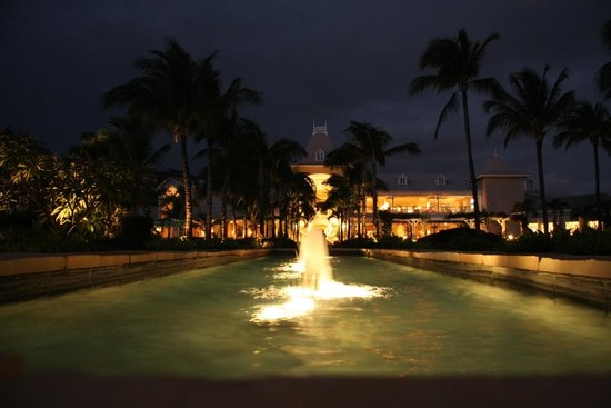 Sugar Beach Resort & Spa:                   The grounds at night