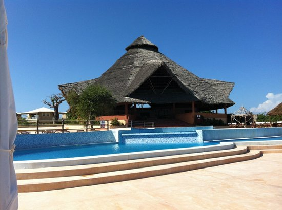 Ora Resort Watamu Bay: piscina