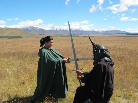 Lord of the Rings Twizel Tour: Re-enacting the famous scene!