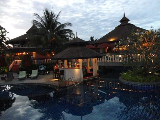 Mangosteen Resort & Ayurveda Spa: Pool Bar