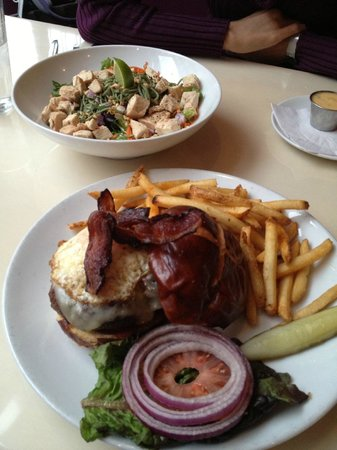 The Mark Dine & Tap: Peanut Chicken salad and Burger