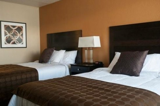 Ramada Venice Hotel Venezia: Double Queen Guest Room