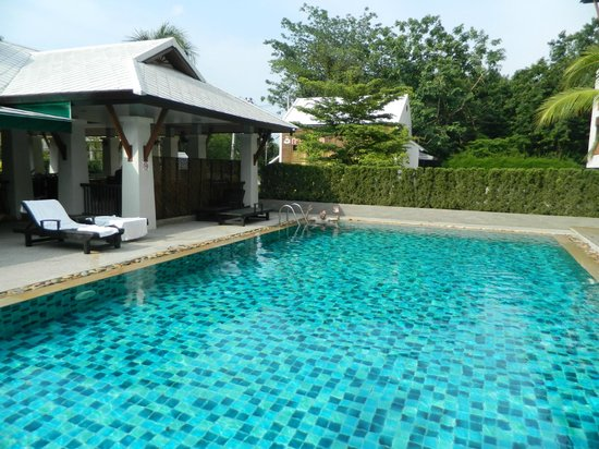 Sakorn Residence & Hotel:                   The pool (very quiet!)