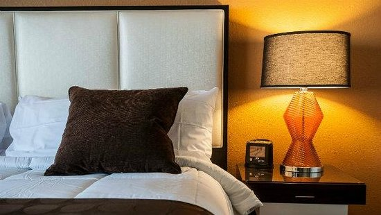 Ramada Venice Hotel Venezia: King Guest Room