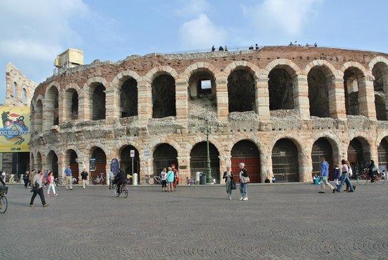 Coliseo Romano En Verona Bild Von City Sightseeing Verona Verona