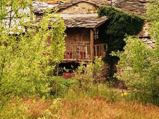 """Parque Natural de Montesinho: Lá ao fundo, a """"minha"""" Casa..."""