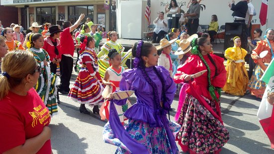 Aurora, IL: Fiesta Patrias Celebration