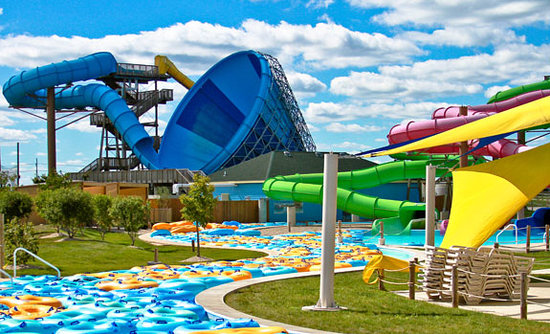 Aurora, Илинойс: Raging Waves Waterpark
