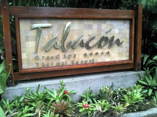 Tabacon Grand Spa Thermal Resort: Entrada al Hotel