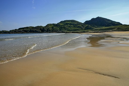 Kiloran Beach:                                     Kiloran Bay on a warm and sunny June morning