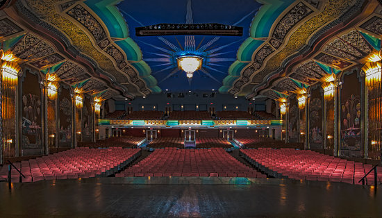 Aurora, IL: Paramount Theatre