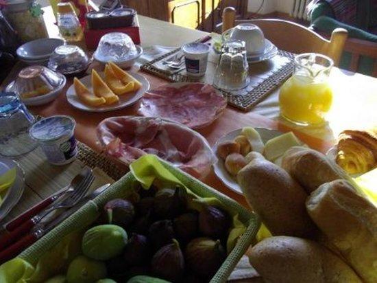 B&B La Casa di Paolo: international breakfast