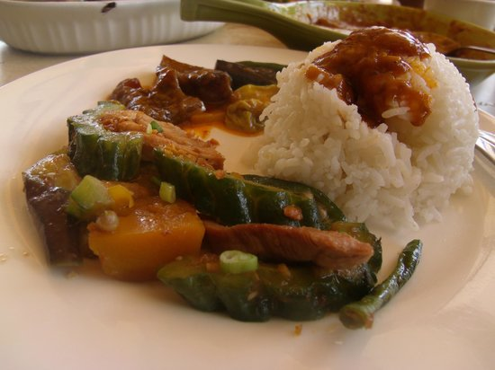 MO2 Westown Hotel Bacolod - Downtown: Pinakbet