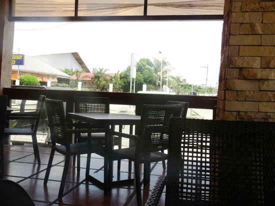 MO2 Westown Hotel Bacolod - Downtown: Hotel's Restaurant - Smoking Area