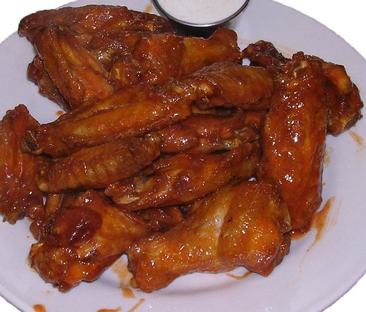 The Crossing Grill & Bar: Hot Wings