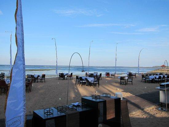 Conrad Bali: Beach front restaurant