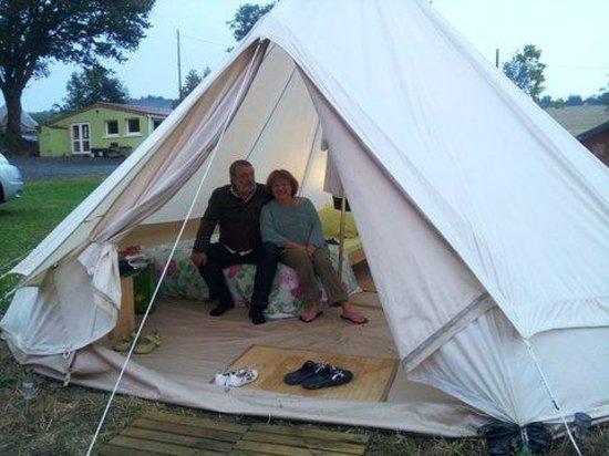 Camping de l'Etang du Puy: tente cocoon