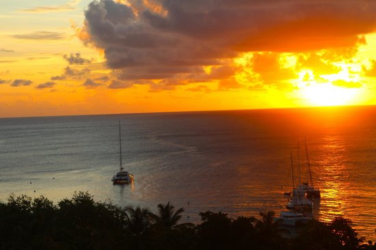 Firefly Mustique Hotel:                   View from Firefly at Sunset