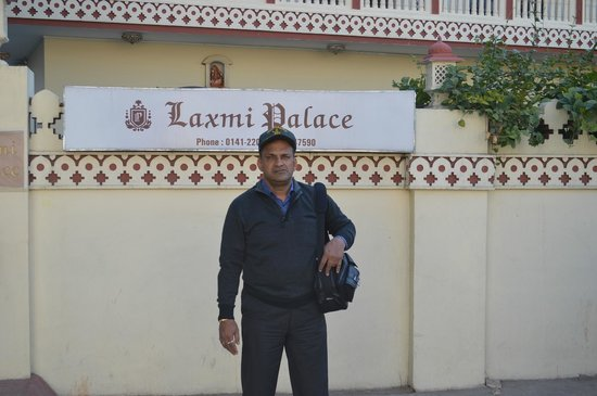 Laxmi Palace: Self in front of the Hotel