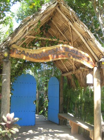 Tranquilseas Eco Lodge and Dive Center:                   Entrance