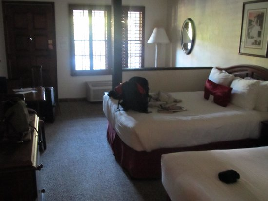 Best Western Plus Hacienda Hotel Old Town:                   twin double beds