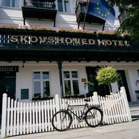 Skovshoved Hotel: Hotel entrance
