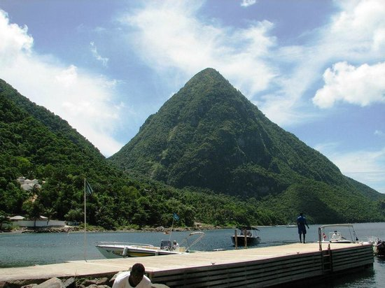 Cosol Tours: We took a water taxi to a small beach in between the pitons