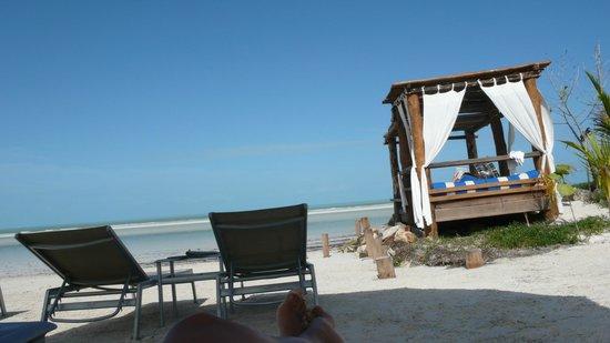 Las Nubes De Holbox: beach area