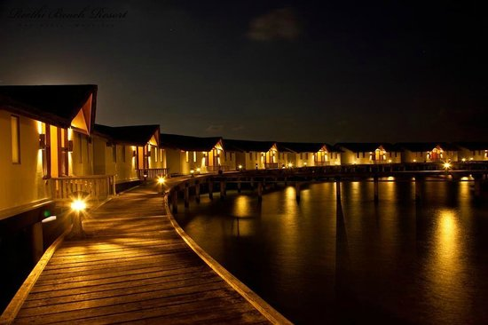 Reethi Beach Resort: Water villas