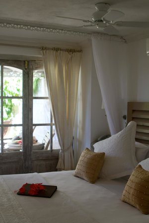 Firefly Hotel Mustique:                   Our lovely room