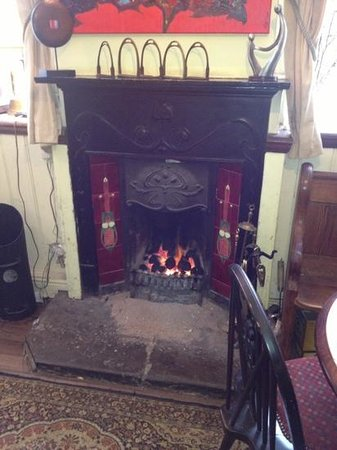 Royal Union Inn: Tivoli's open fire.. perfect on a snowy winters day :)