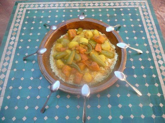 Espace Kasbah Amridil : Couscous marocain local aux légumes locaux