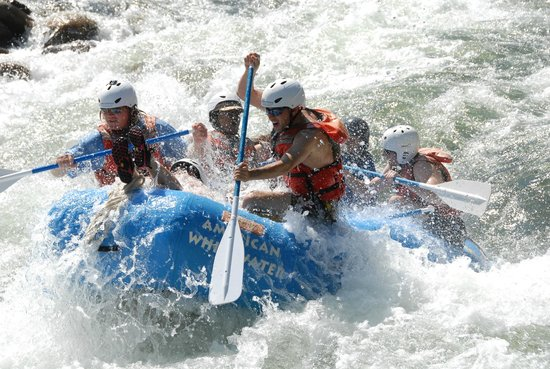 ‪American Whitewater Expeditions‬