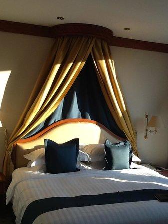 โรงแรม เดอะแลนด์มาร์ค กรุงเทพฯ: bed