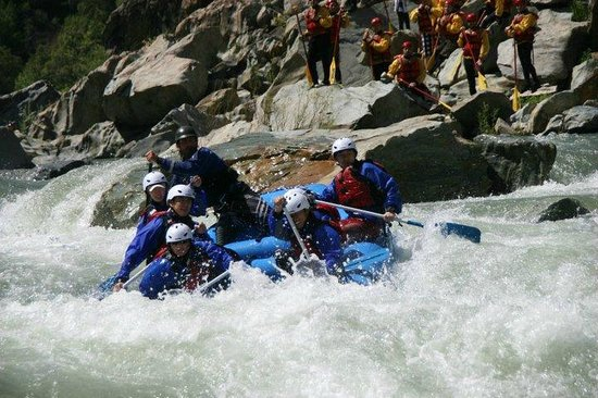 American Whitewater Expeditions: Kirk and a smooth line on the NF - while others watch