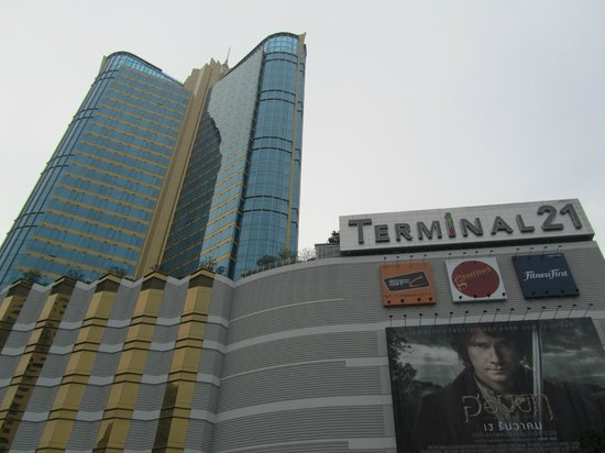 Grande Centre Point Terminal 21: Literally on top of Terminal 21