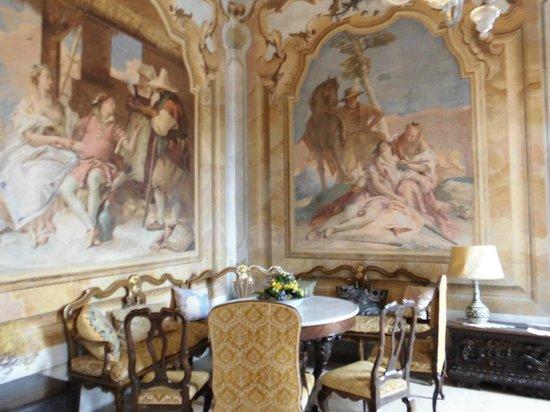 Villa Carnate Orari