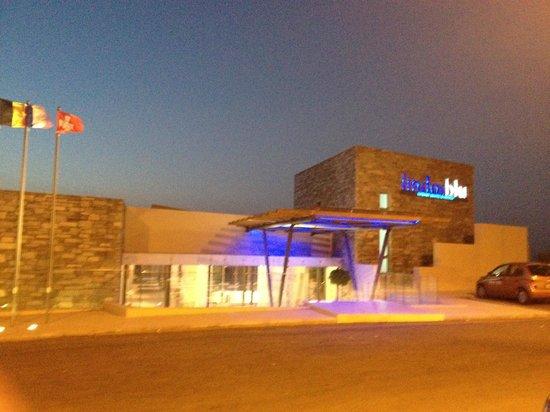 Lindos Blu:                   The Hotel