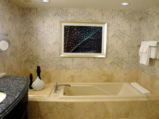 En Suite Bathrooms At The Cancun Resort In Las Vegas: Picture Of Bellagio Las Vegas, Las