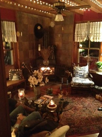 1902 Turnpike House B&B:                   Living/ Gathering Room area...very cozy & intimate