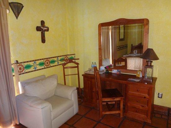 Hotel Pueblo Magico: ACCESORIOS