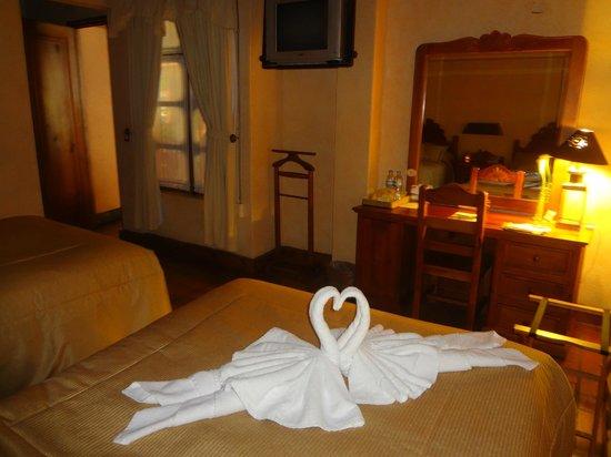 Hotel Pueblo Magico: HABITACION CON 2 CAMAS DOBLES