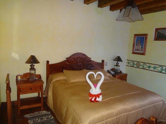 Hotel Pueblo Magico: HABITACION CAMA EXTRAGRANDE