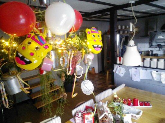 Luxhof chambres d'Hotes : Carnaval 2013, salle petit déjeuner