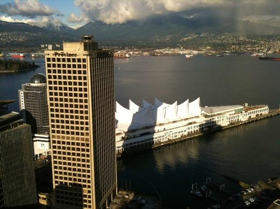 Hampton Inn & Suites Downtown Vancouver:                   View within walking distance of the Inn.