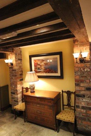 Pesto at the Dibbinsdale Inn: Reception Area